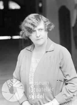 Seidelův snímek na její jméno a adresu do Vyššího Brodu, datovaný 9. června roku 1929