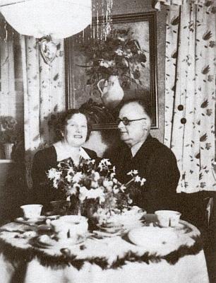 Manželé Watzlikovi doma v Nýrsku.