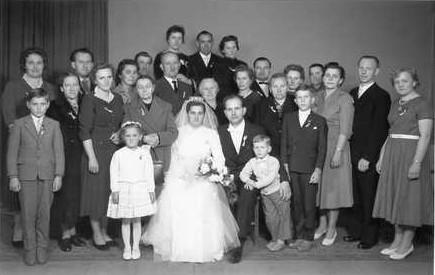 Roku 1960 se znovu oženil s Annou, roz. Spitzlovou