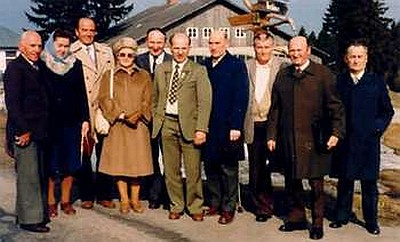 Se spolupracovníky na projektu, mezi nimiž jsou i spoluautoři knihy o rodných vsích Slatina, Polka a Březová Lada - vlevo od něho Walter Michetschläger a Frieda Baierová