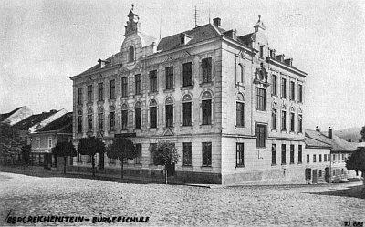 Měšťanská škola v Kašperských Horách, kde řediteloval