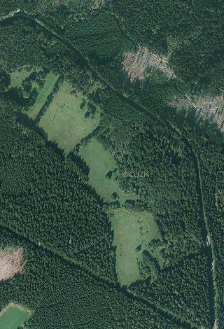 Horky (Seckerberg) na leteckých snímcích z let 1949 a 2011 - les znatelně postoupil
