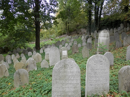 Židovský hřbitov a márnice ve Čkyni