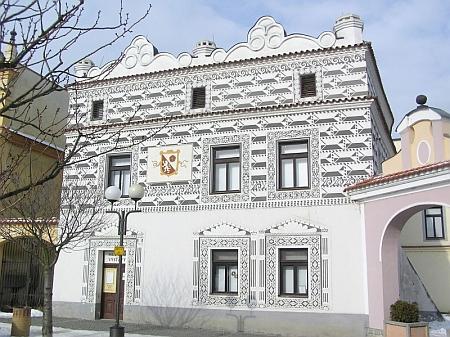 Tzv. Weisův dům ve Veselí nad Lužnicí s jeho pozůstalostí je součástí Blatského muzea v Soběslavi