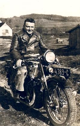 Na motocyklu v kněžské službě