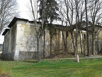 Chátrající budova pivovaru v roce 2015 (viz i Wenzel Draxler)