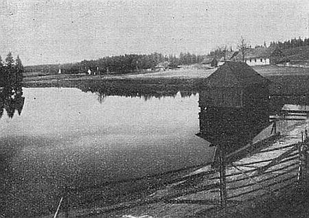 Jiřická nádrž (Pohořský rybník) na snímku z třicátých let 20.století...