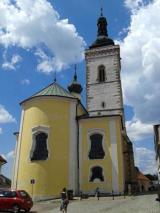 ... a kostel Všech svatých, kde byl pokřtěn