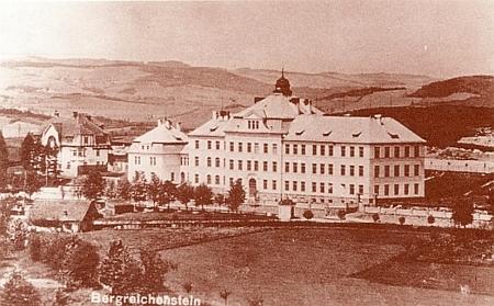 Vyšší reálka v Kašperských Horách, jejímž se stal roku 1907 prvým ředitelem