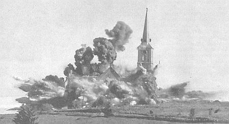 """Odstřel kostela sv. Jana a Pavla v Kapličkách dne 4. června 1959 byl zrakouské strany dobře vidět - vždyť byl likvidován právě proto, že mohl usnadnit orientaci """"narušitelům hranic"""", čemuž by asi už rytíř von Weyhrother těžko rozuměl (viz i Johann Krammer)"""