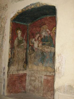 Gotické fresky uvnitř kostela odkryté při rekonstrukci kostela - sv. Kryštof je vysoký téměř 10 metrů
