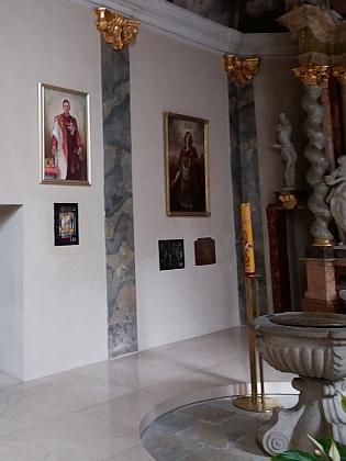 V jižní boční kapli jsou uloženy relikvie sv. Auraciána a od roku 2020 i Karla I., posledního rakouského císaře a českého krále