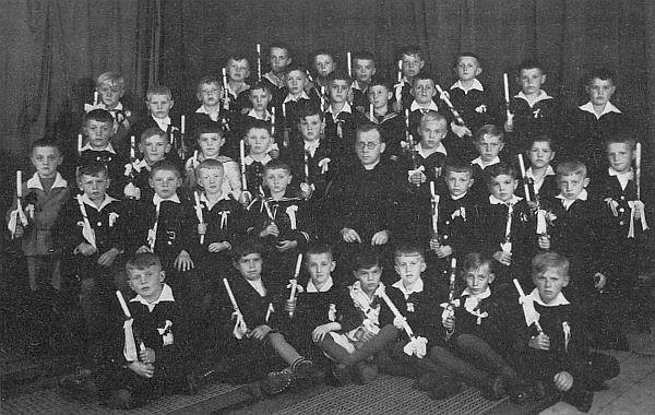 První svaté přijímání chlapců a dívek ročníku narození 1926 za jeho kaplanování v Železné Rudě