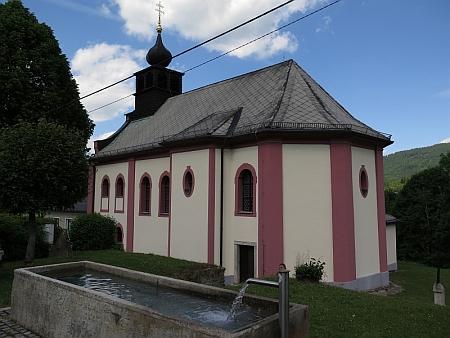 Obnovený kostel Panny Marie Bolestné v Hamrech