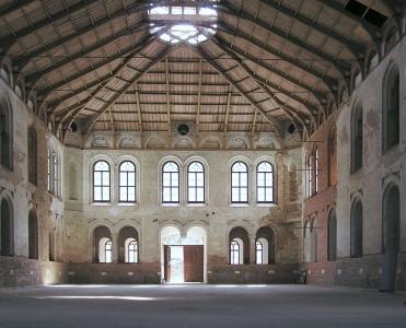 Opravená jízdárna Windischgrätzových ve Světcích (Heiligen) je dnes národní kulturní památkou
