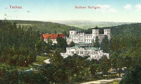 Na staré pohlednici vidíme ve svahu nad řekou Mží bývalý klášter, zámek (rodové sídlo Windischgrätzových zroku 1857, který vyhořel na konci 2. světové války, dnes jsou z něj ruiny) a jízdárnu ve Světcích