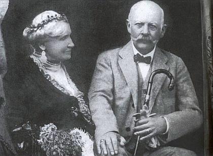 S manželkou Gabrielou v roce 1927