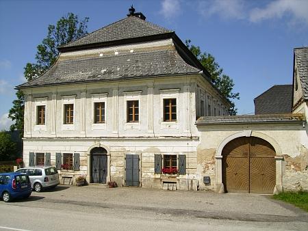 Dva snímky z obce Schönegg (2010)