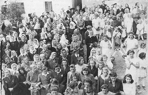 Boží tělo 1943 v Albrechticích bez mužů, kteří byli toho času veválce