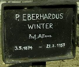 Hrob Eberharda Wintera na klášterním hřbitově v Heiligenkreuz...