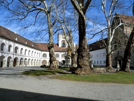 Klášter Heiligenkreuz Dominik Kaindl a Johann Nepomuk Weis)