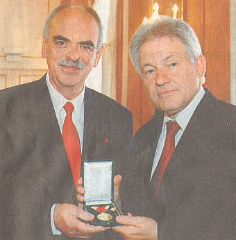 Roku 2005 mu hejtman Pühringer udělil Kulturní medaili spolkové země Horní Rakousko