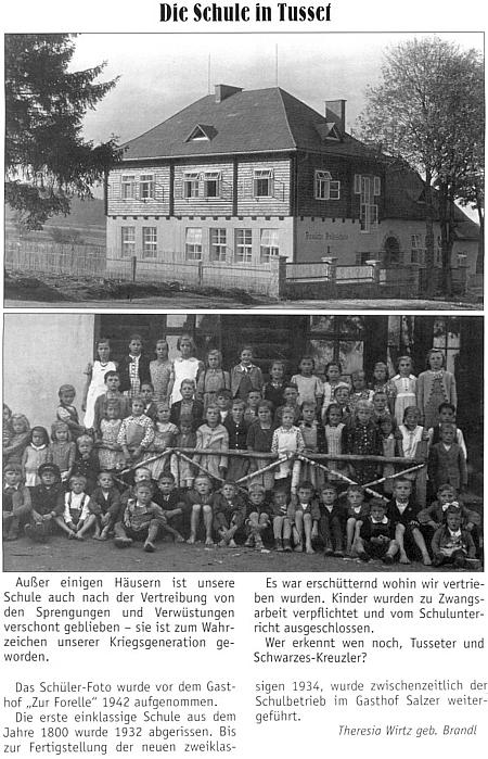 """Její článek o škole ve Stožci na stránkách krajanského měsíčníku doprovází snímek budovy (kvůli ořezu není poznat, že autorem je Josef Seidel, viz Franz Kölbl)  a také dětí z ní, pořízený v roce 1942 před hostincem """"Upstruha"""""""