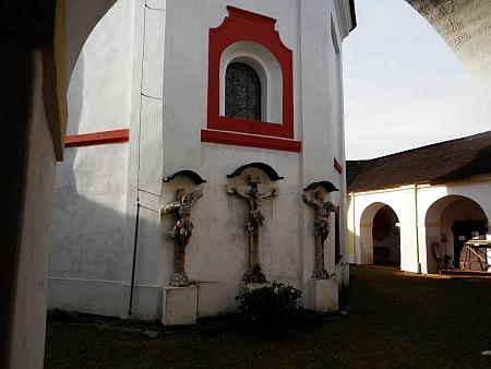 Křížová hora s kaplí Panny Marie Bolestné a sv. Kříže...