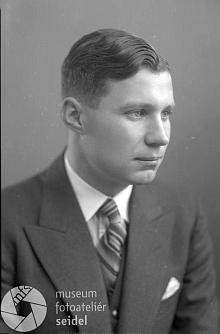 Na dvou snímcích z roku 1936