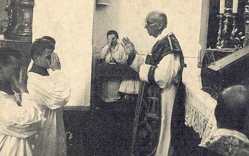 Slouží mši svatou v Offenburgu u příležitosti šedesátiletého jubilea svého kněžství