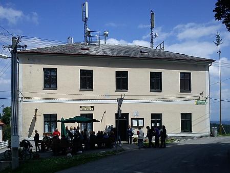 Budova bývalé školy v Malšíně