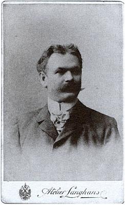 Jeho otec Johann Wodiczka na fotografii z roku 1905, nyní uložené v archívu Jihočeského muzea