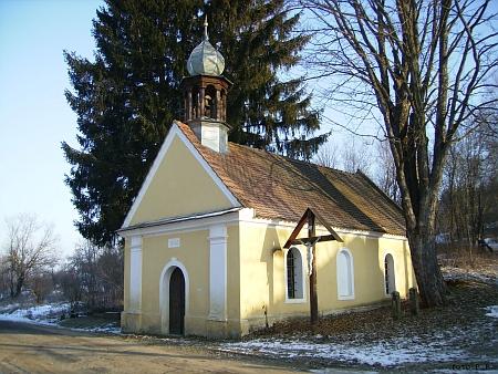 Kaple v Kuří na snímcích z roku 2013