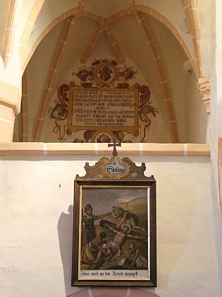 Nástěnné malby a interiér kostela na snímcích z roku 2017