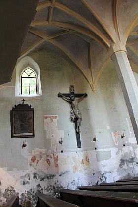 Záběry z interiéru žumberského kostela během rekonstrukce