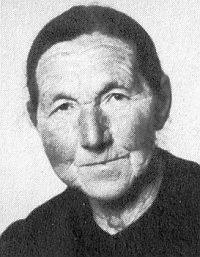 Maminka Elisabeth zemřela v roce 1985 a je pochována v Grünbachu uFreistadtu