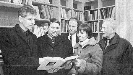 Jako předseda Spolku pro Šumavské muzeum (prvý zprava) v Pasově za tamní návštěvy předsedy Sudetoněmeckého krajanského sdružení Bernda Posselta