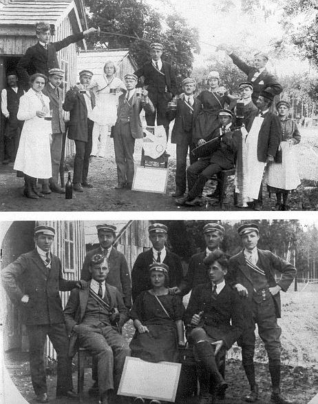 Tatínek Hubert Woldrich ještě jako student z Kaltenbachu kolem roku 1920 (na obou snímcích stojící uprostřed)