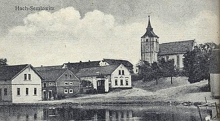 Semněvice, kde také učil, na snímku z krajanského časopisu