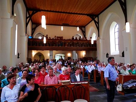 25. července 2015 bylo výročí zahájení obnovy kostela ve Zvonkové připomenuto slavnostní bohoslužbou s bývalým biskupem Maximilianem Aichernem z Lince a koncelebrace kněží, kteří před 25 lety konali první bohoslužbu ve zřícenině kostela; Horst Wondraschek byl organizátorem oslav