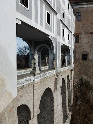 Plášťový most