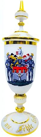 Skleněný pohár pěveckého spolku Deutsche Liedertafel z doby kolem roku 1880 ve sbírkách Jihočeského muzea v Českých Budějovicích