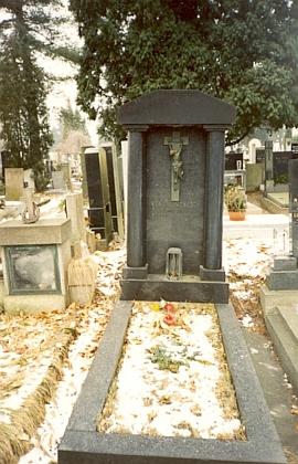 Jeho hrob na českobudějovickém hřbitově u sv. Otýlie
