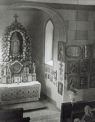 Někdejší interiér a exteriér Hauswaldské kaple (viz i Karl Klostermann)...