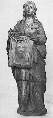 Svatá Veronika s otiskem Kristovy tváře na roušce v jejích rukou, Worathova dřevěná plastika vysoká 159cm ze sbírek Alšovy Jihočeské galerie