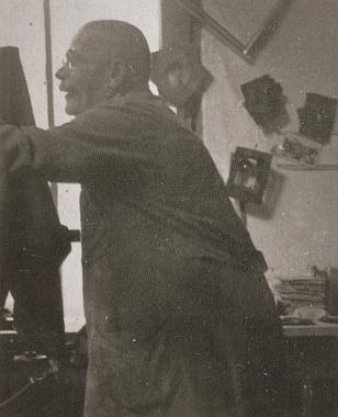 Českokrumlovský fotograf Wenzel Micko a výuční list jeho syna Maxmiliana, který otec podepsal