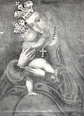 Železnorudská Panna Maria Pomocná z Hvězdy, zde přizdobena i s Jezulátkem korunami a křížkem