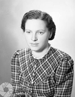 Lorie Wurdaková na snímcích z roku 1942