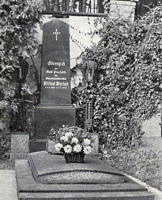 Jeho čestný hrob v Prachaticích, udržovaný z německé strany i po válce