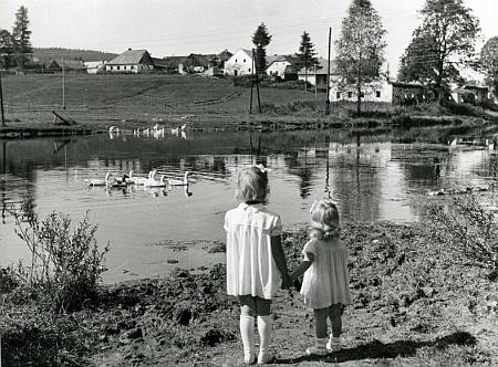 Frýdava na pohlednici frymburského fotografa Josefa Junka